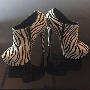 Sale. Steve Madden leather upper zebra calf hair